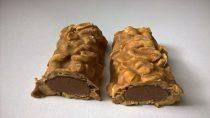ISS Oh Yeah! Protein Riegel Peanut Butter & Caramel zerteilt