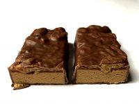 Snickers 18g Protein Eiweißriegel zerteilt